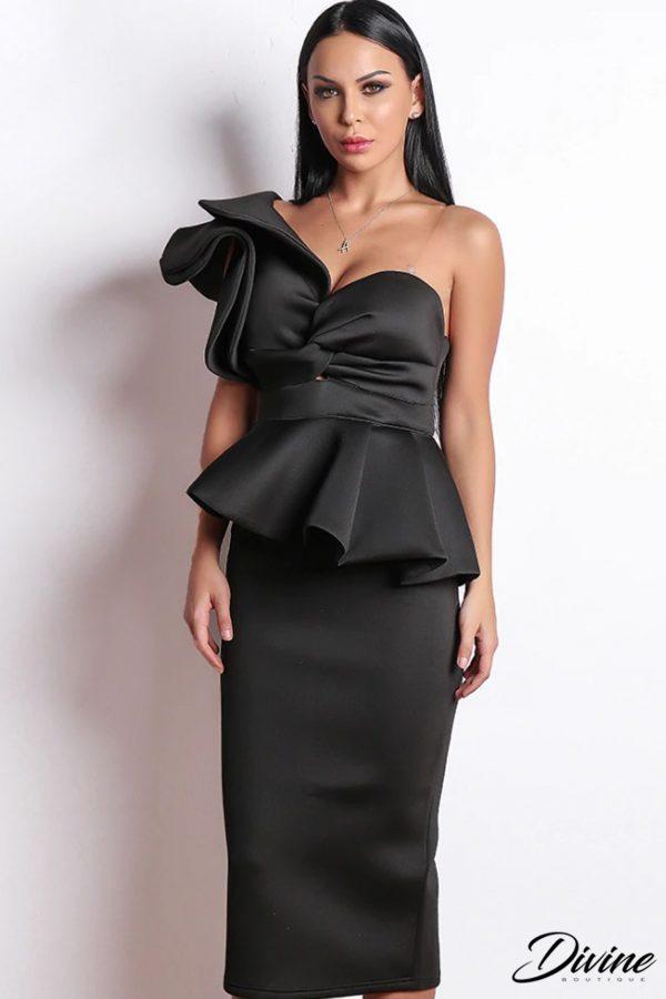 rochie neagra cu volane